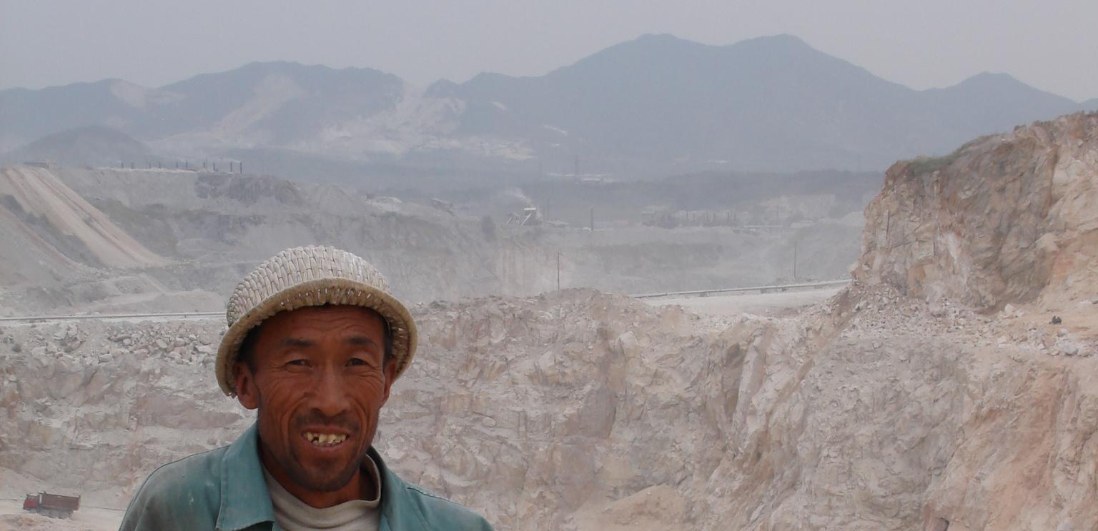 Magnesite-mine-Haicheng-2006-b