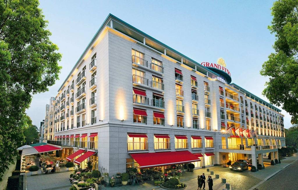 csm_GrandElysee-hotel_s1_e8c8adaa8f