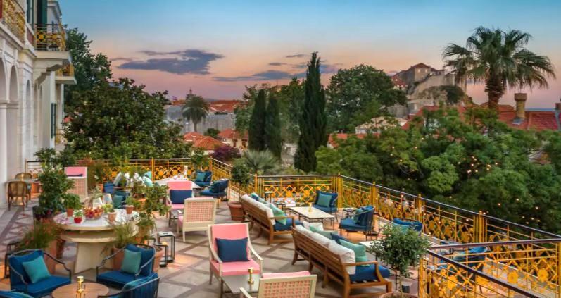 Hotel terrace2