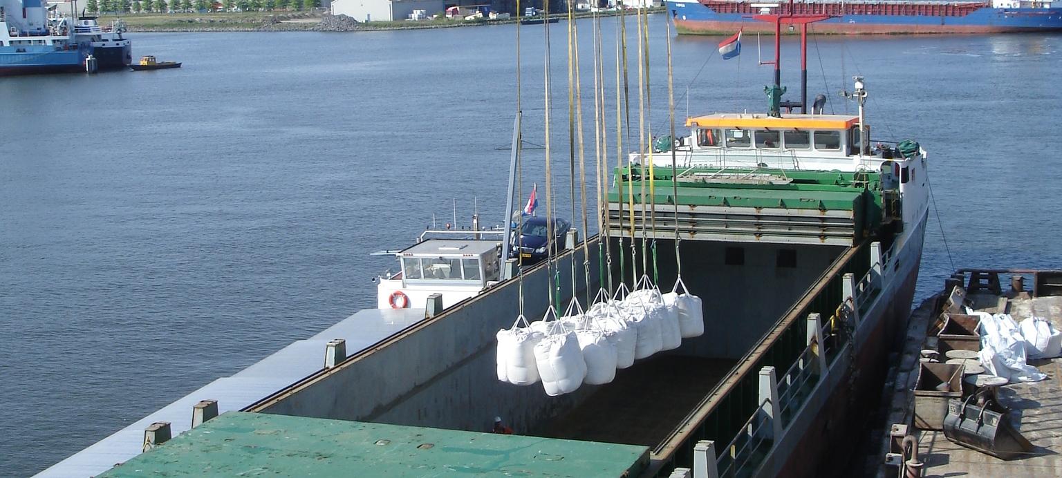 Transshipping-barite-Amsterdam-2010